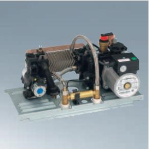 Centrala termica pe gaz Viessmann Vitopend 100-W 24 kW cu tiraj natural vedere bloc hidraulic